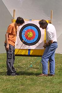 archery target with backstop net